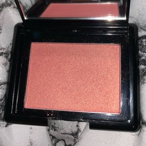 Oriflame Beauty Glowing Peach Highlighter new
